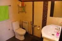 Санузел с душевой кабиной в VIP комнате (№2)
